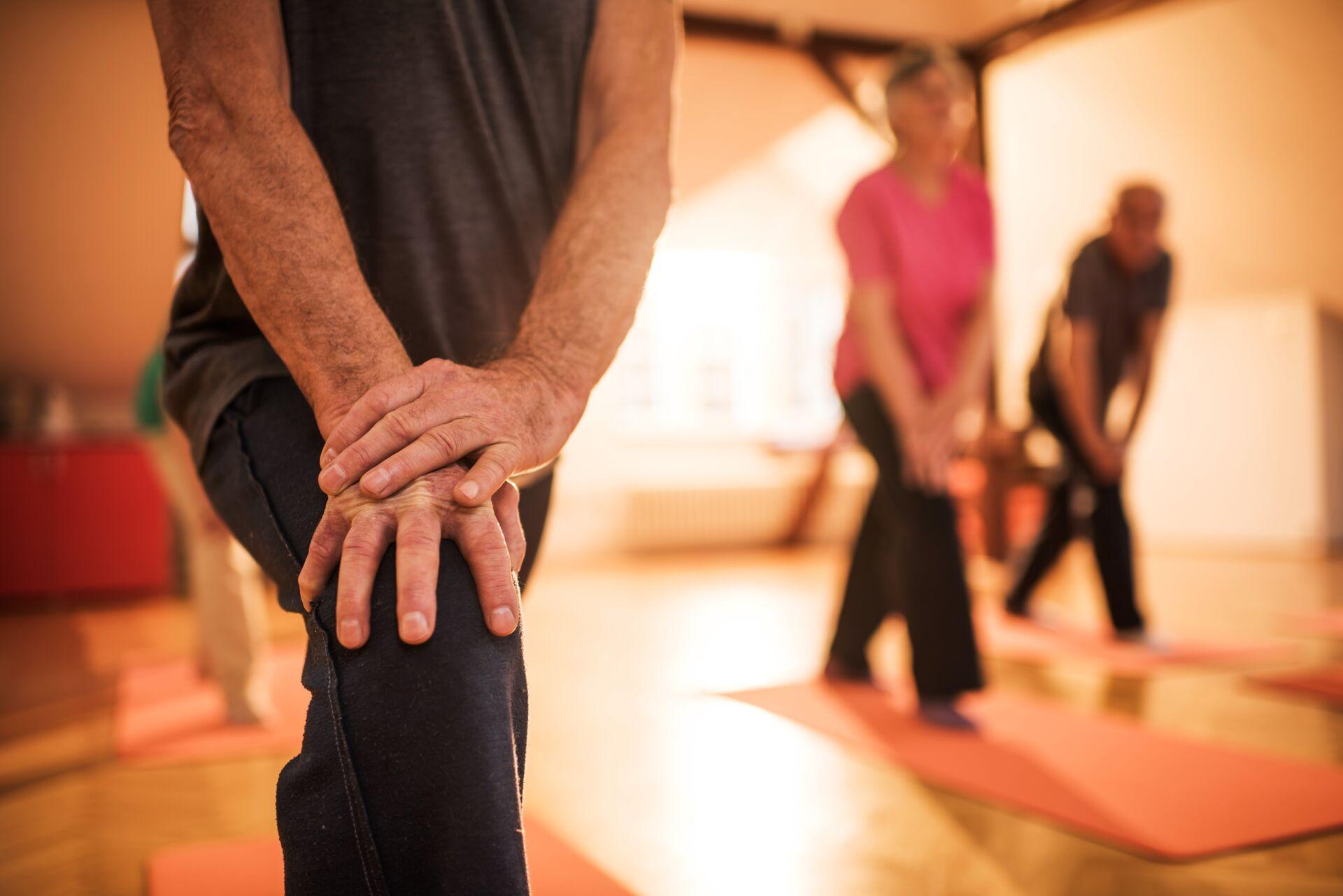 7 Benefits of Yoga for Seniors | Querencia